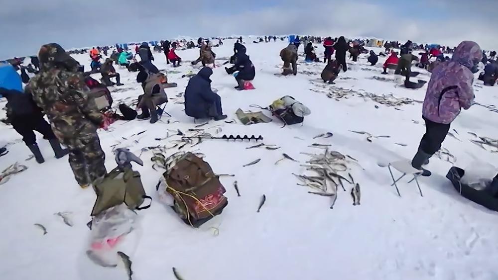 Рыбаки на Сахалине