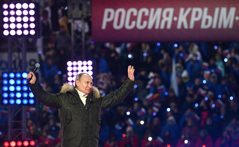 Владимир Путин посетил концерт в честь воссоединения Крыма с Россией