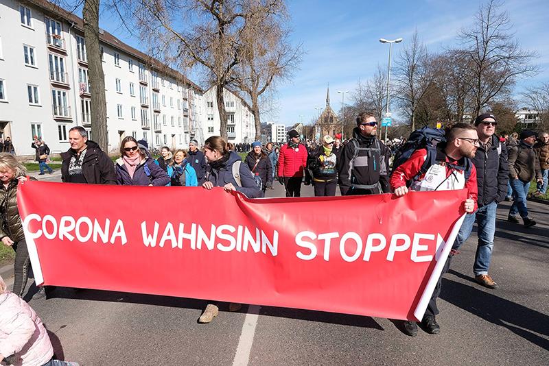 Акция против антиковидных ограничений в Германии