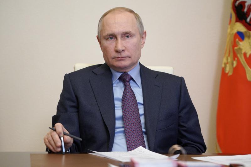 Владимир Путин в Ново-Огарево во время совещания