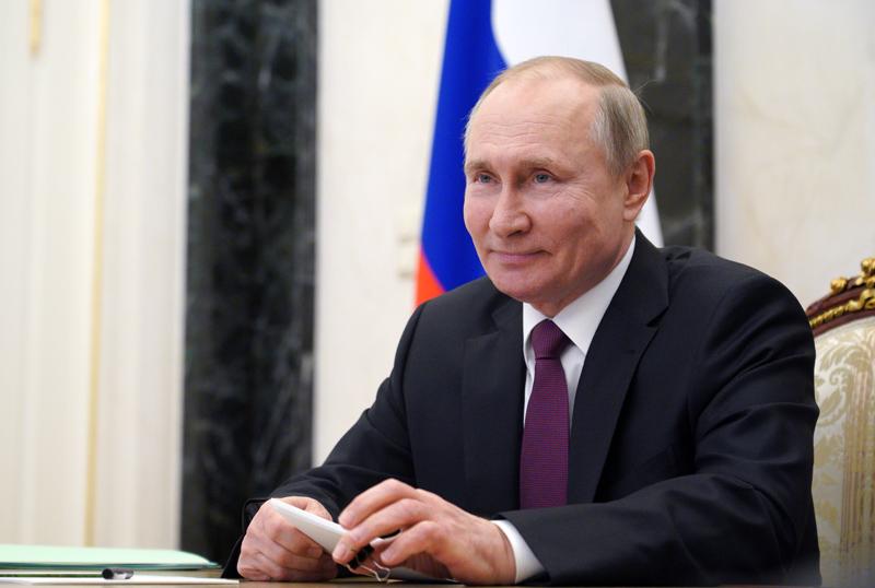 Владимир Путин провел встречу с лауреатами премий для молодых деятелей культуры