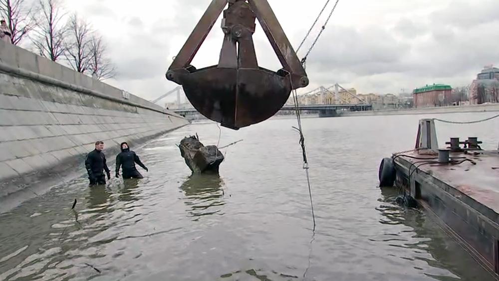 Очистка Москвы-реки