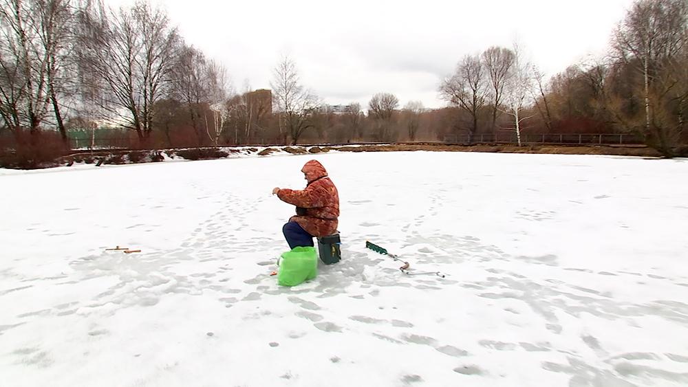 Рыбаки на льду
