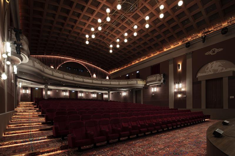 """Кинотеатр """"Художественный"""" после реставрации. Большой зал"""