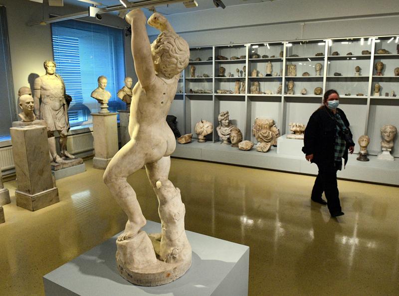 Новое открытое хранение античной скульптуры в Эрмитаже