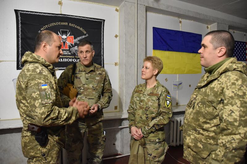 Военный атташе США прибыла в Донбасс