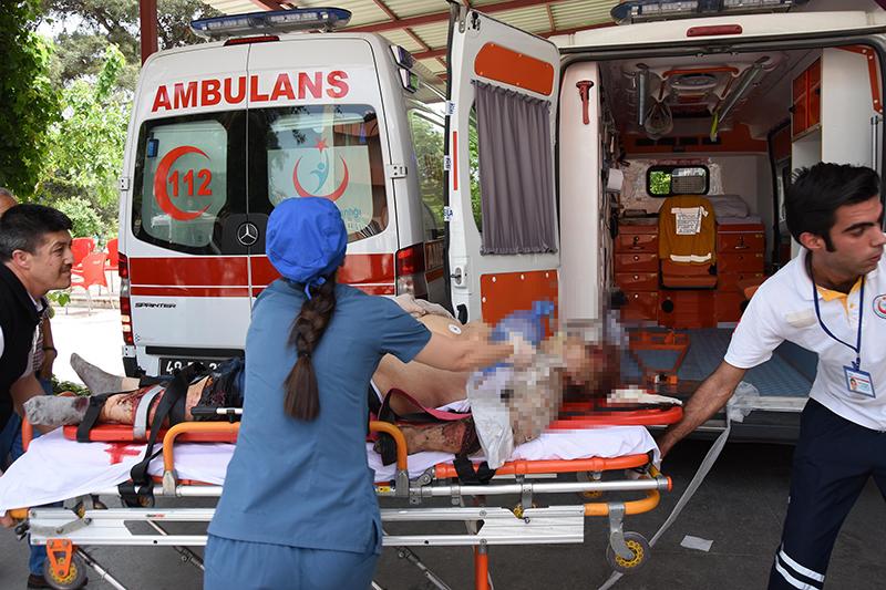 Скорая помощь Турции на месте аварии