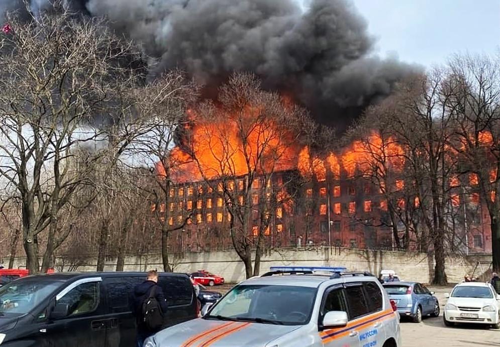 """Пожар на фабрике """"Невская мануфактура"""""""
