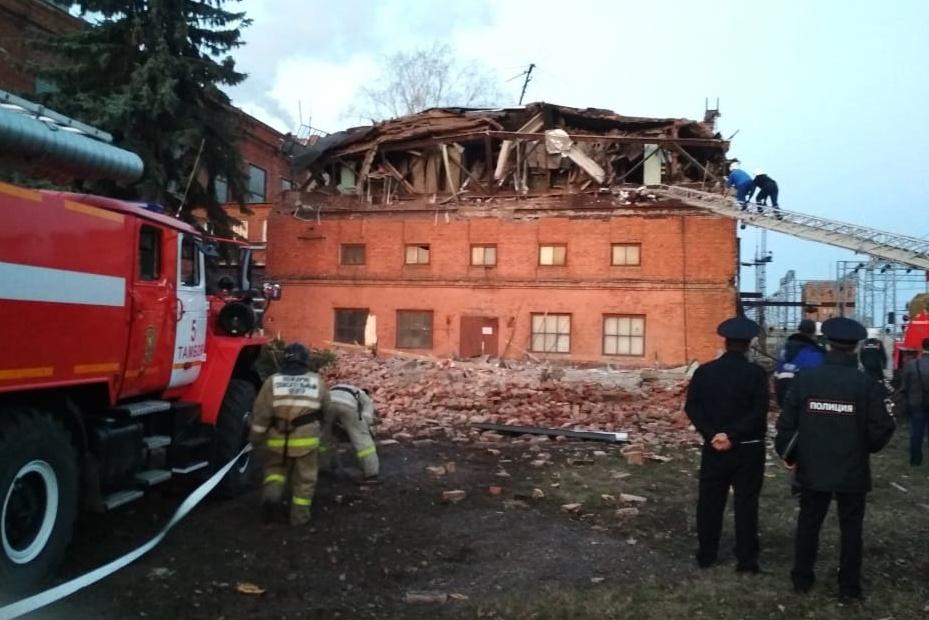 Кровля и часть стены обрушились на ТЭЦ в Тамбове