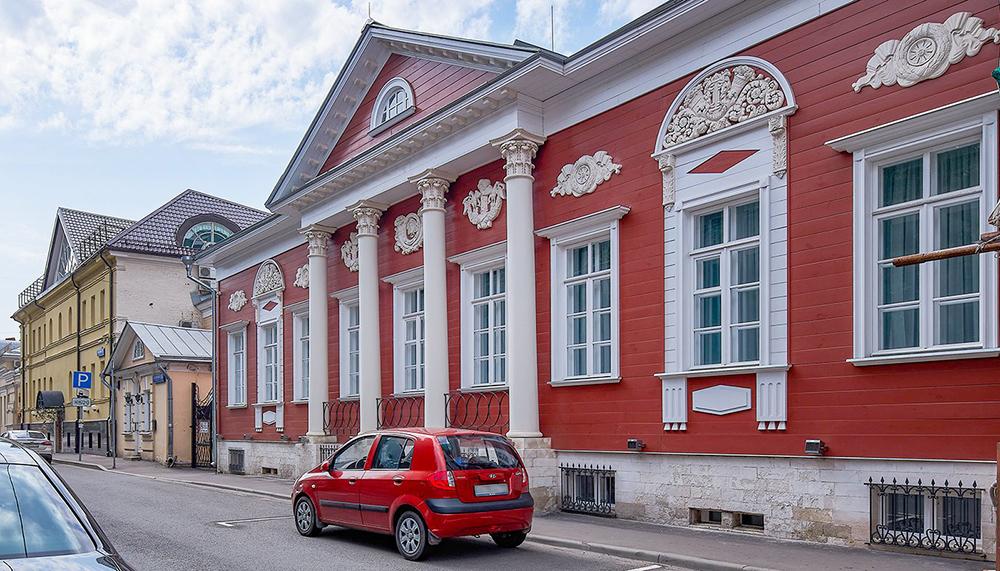 Историческое здание в центре Москвы