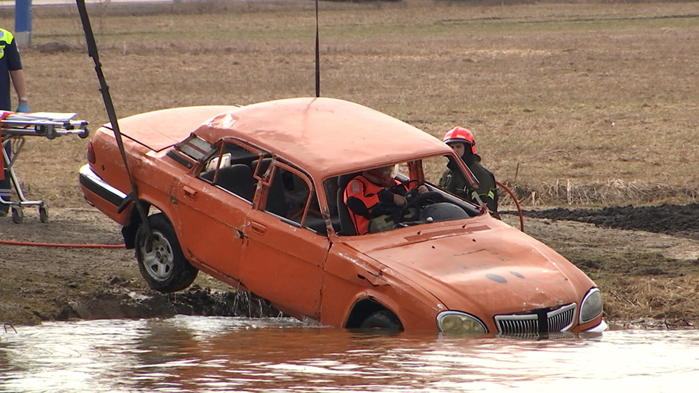 Учения спасателей в период весенних паводков