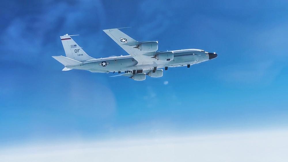 Самолет-разведчик Boeing RC-135