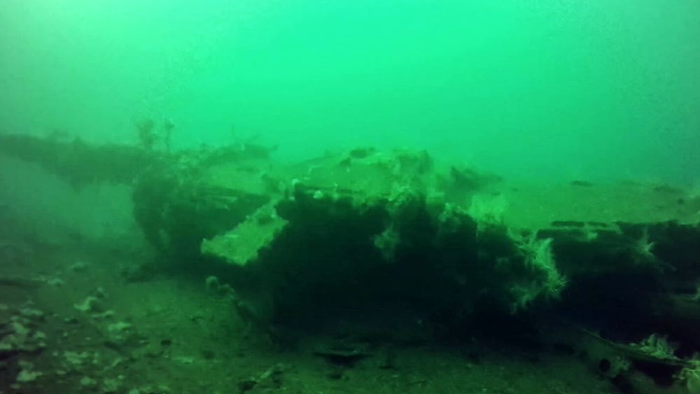 Обломки корабля на дне