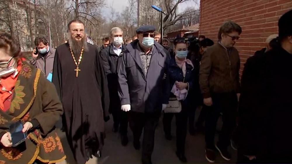 Владимир Ресин осмотрел ход восстановление храма