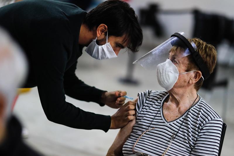 Вакцинация от COVID-19 в Аргентине