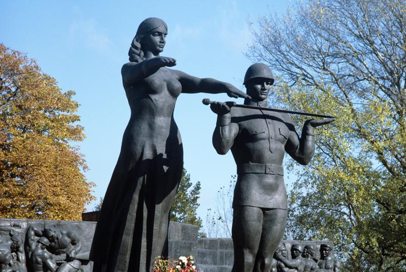 Монумент славы Советской Армии во Львове