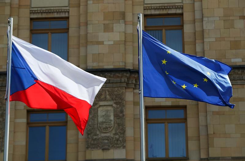 Флаги Чехии и ЕС