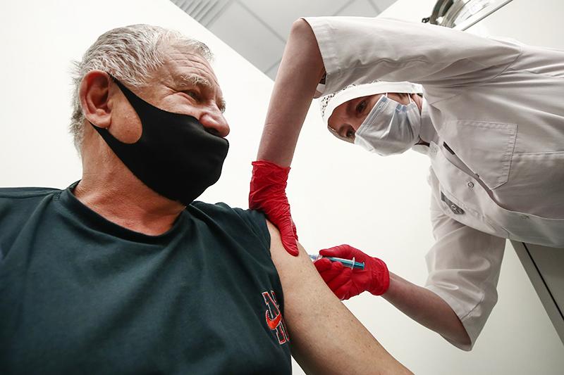 Вакцина против COVID-19