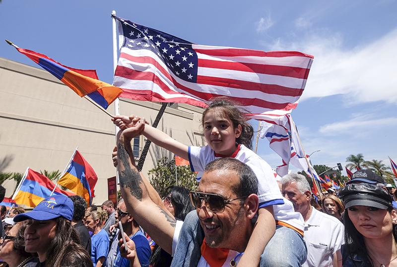 Ежегодное шествие памяти жертв геноцида армян в Лос-Анджелесе