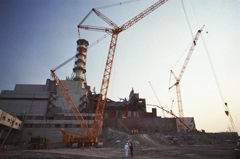 Ликвидация последствий аварии на Чернобыльской АЭС. Разлом стены четвертого энергоблока.