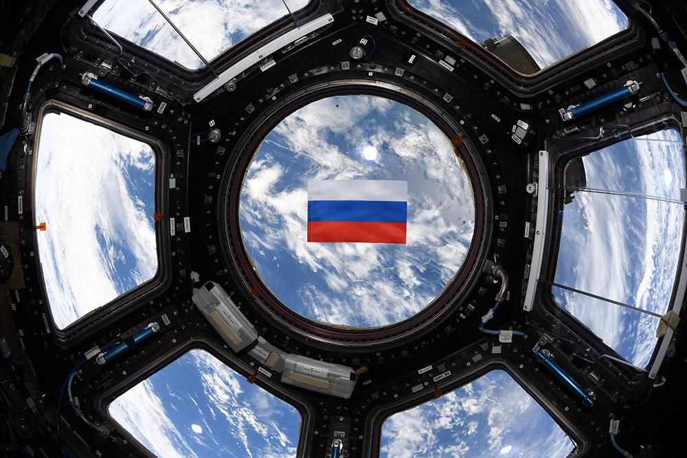 Российский флаг на МКС