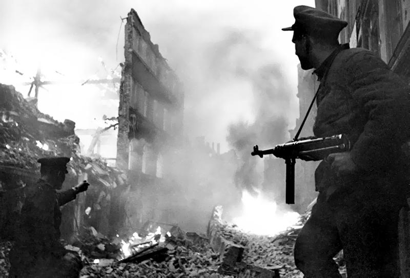 Солдаты Красной армии в Берлине