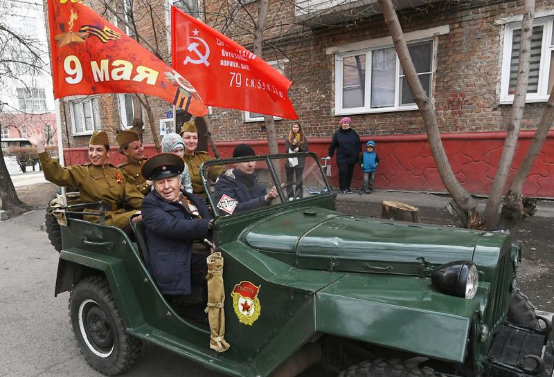 Поздравление ветеранов Великой Отечественной войны с Днем Победы