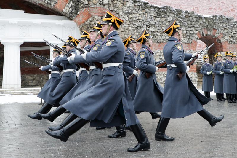 Гвардейцы роты специального караула Президентского полка