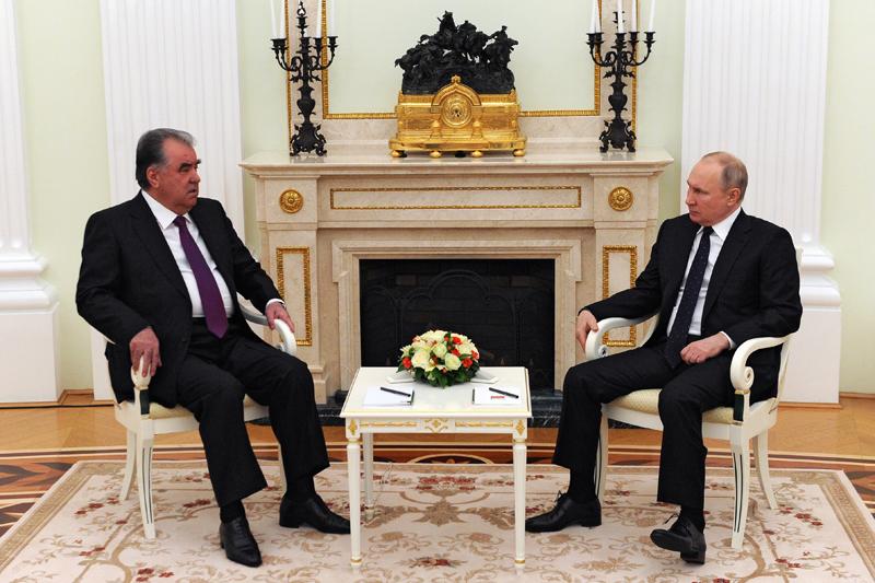 Владимир Путин и президент Таджикистана Эмомали Рахмон