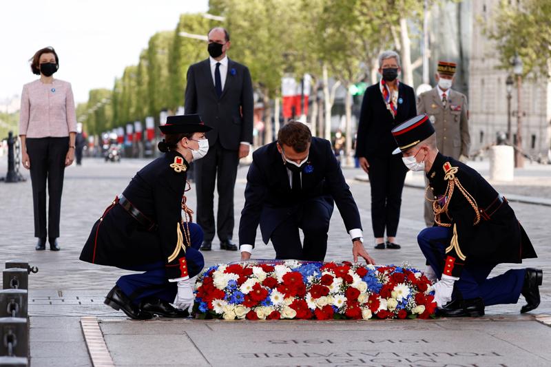 Церемония празднования 76-летия Победы над фашизмом в Париже