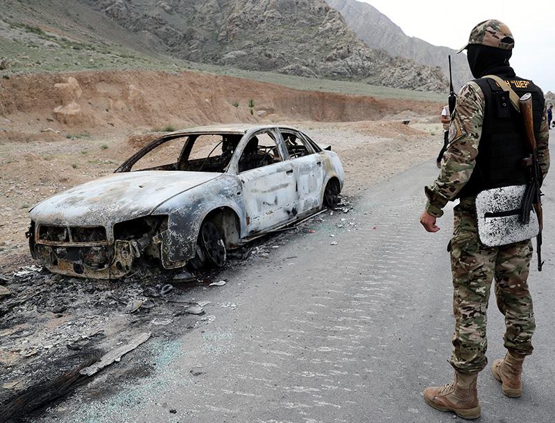 Военнослужащие армии Киргизии в приграничном с Таджикистаном селе Кок-Таш