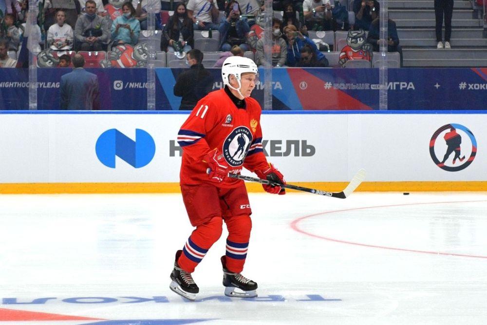 Владимир Путин в матче Ночной хоккейной лиги