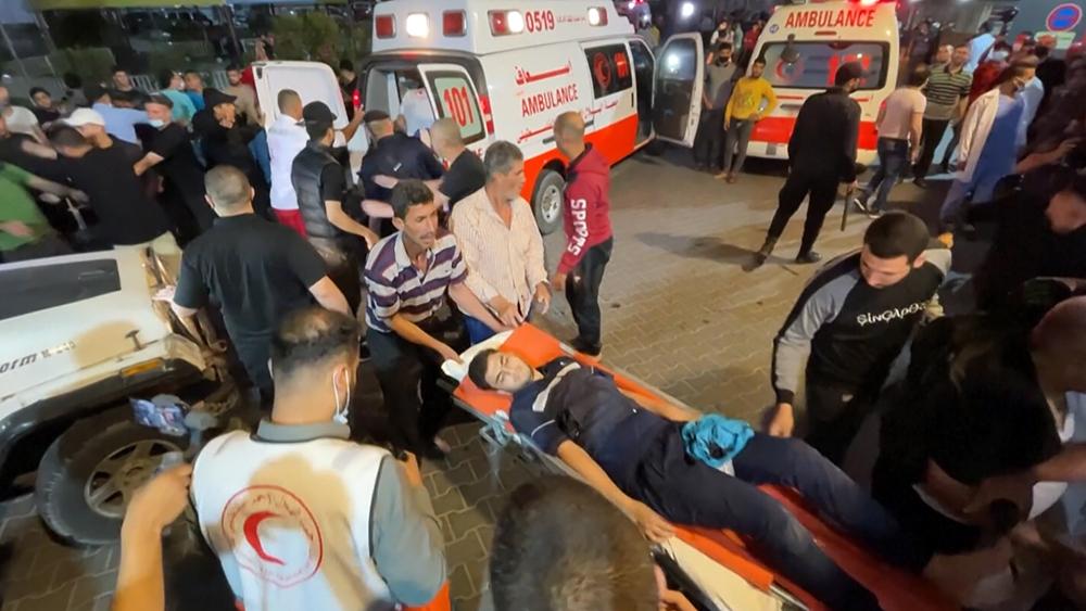 Пострадавшие в результате авиаудара Израиля по сектору Газа