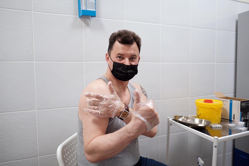 Роман Романенко сделал прививку от COVID-19