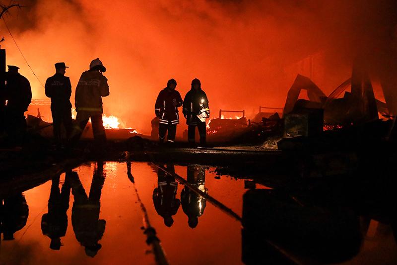 Пожар на пилораме в Екатеринбурге