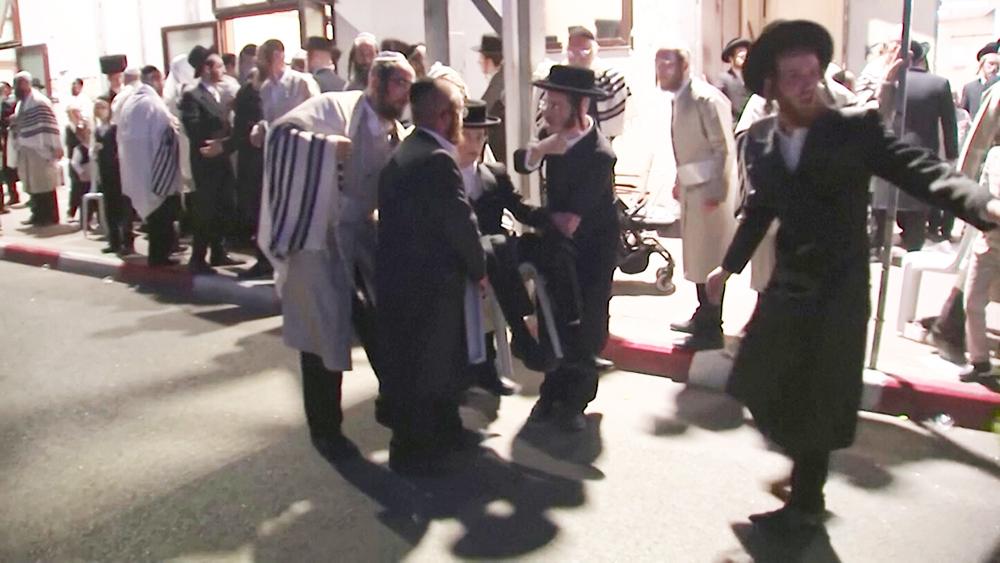 Обрушения трибуны в израильской синагоге