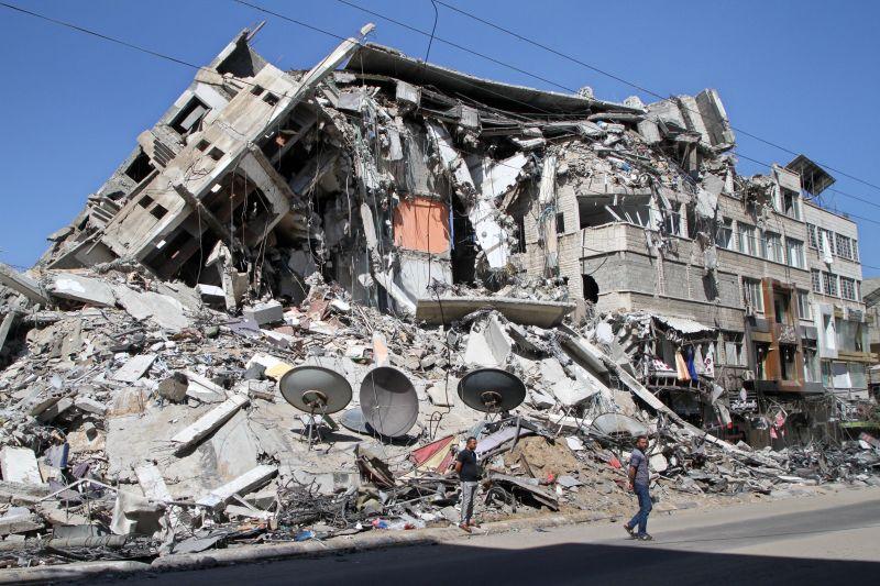 Последствия авиаудара в Секторе Газа