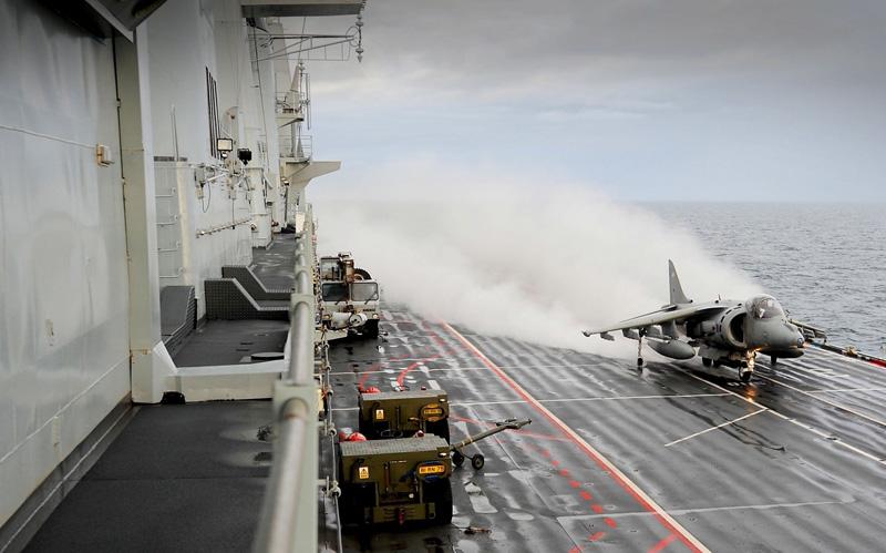 Авианосец ВМС Великобритании