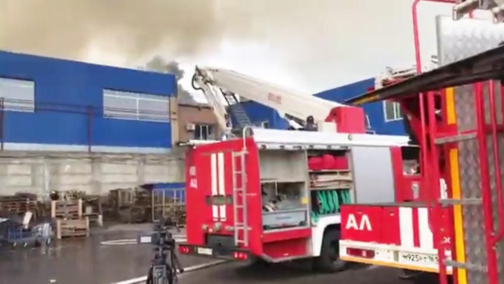 Пожар на складе в Ростове-на-Дону