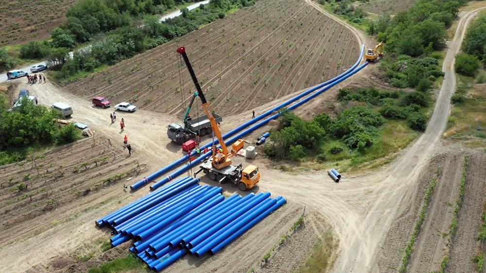 Строительство водопровода в Крыму