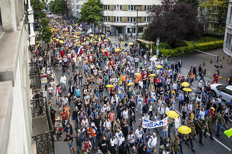 Митинг против коронавирусных ограничений в Бельгии