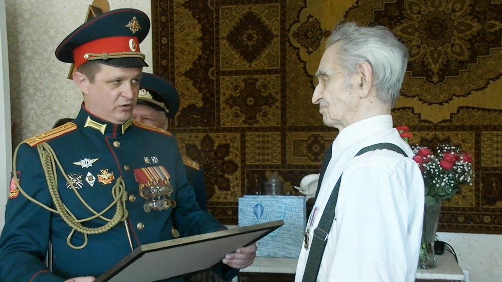 Ветеран, полковник танковых войск Филипп Жарков