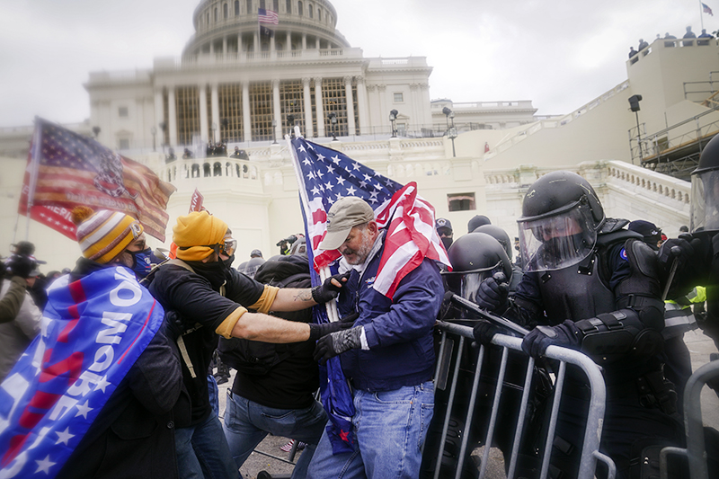 Протесты у здания Капитолия в Вашингтоне