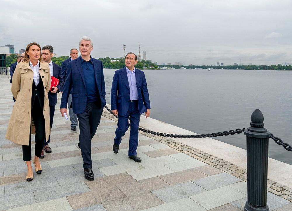 Сергей Собянин осмотрел набережную Северного речного вокзала