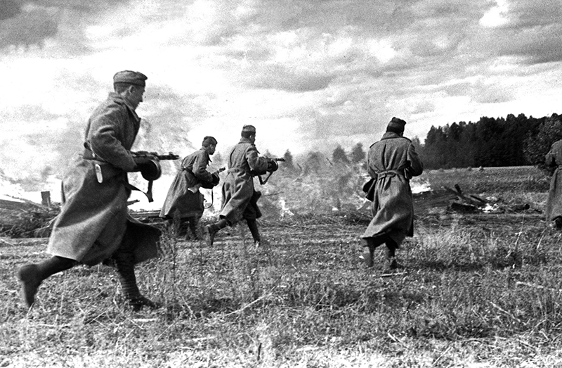Советская пехота во время освобождения Латвии