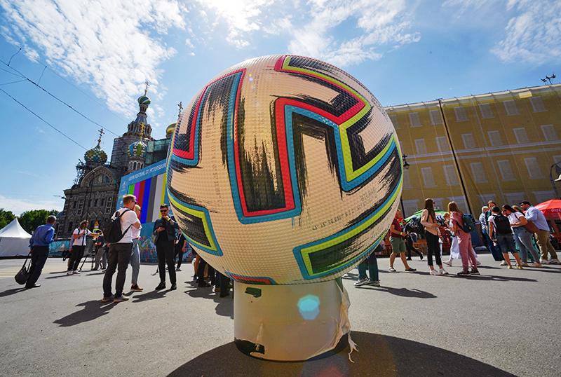 Территория футбольной деревни фестиваля UEFA EURO 2020 в Санкт-Петербурге