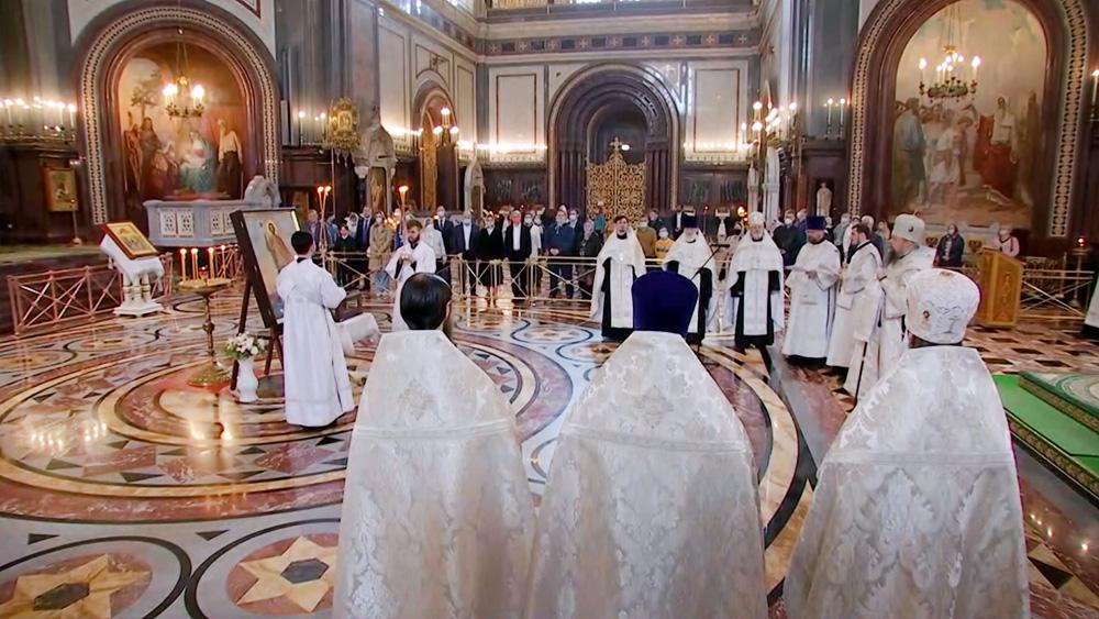 Мощи князя Александра Невского в храме Христа Спасителя