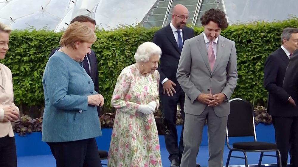 Елизавета II встретилась с участники саммита G7