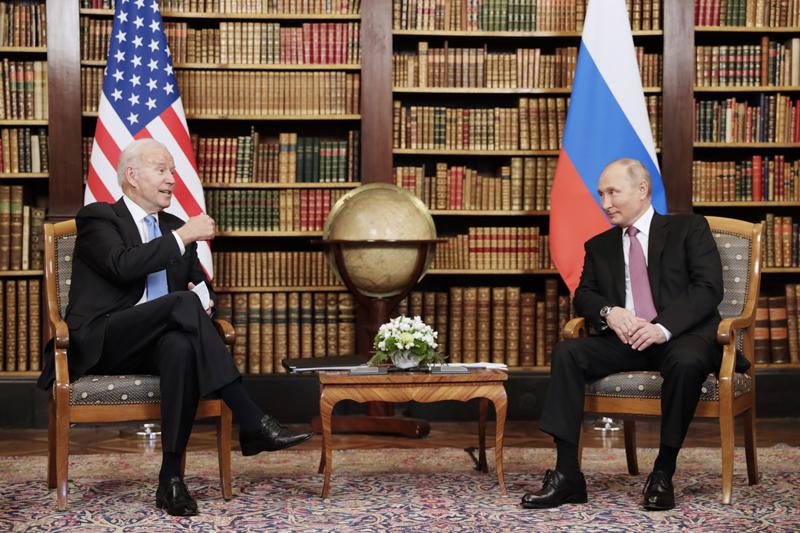 Владимир Путин и президент США Джо Байден