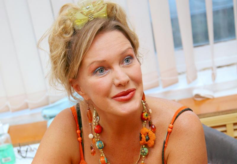 Актриса Елена Проклова